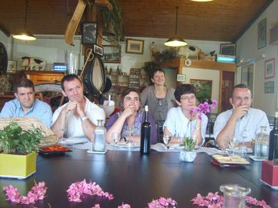 Algunos de los representantes de centros vascos durante la reunión de Aldude (foto BordeleEE)