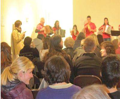 El grupo boiseano Txantxangorriak actuó en el Euskararen Nazioarteko Eguna de la capital de Idaho (foto IKortazar)