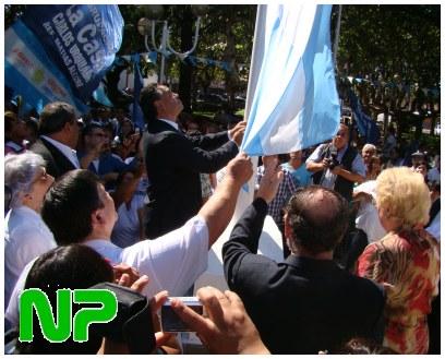 Jose C. Paz herrian atzo bandera nazionalaren omenez egindako ekitaldia (argazkia Noticias Paceñas)