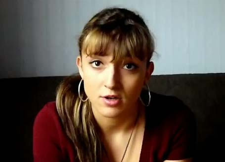La joven vasca Maite Fraile, residente también ella en este momento en la capital británica, es la autora de los videos 'Euskaldunak Londresen' (Vascos y vascas en Londres)
