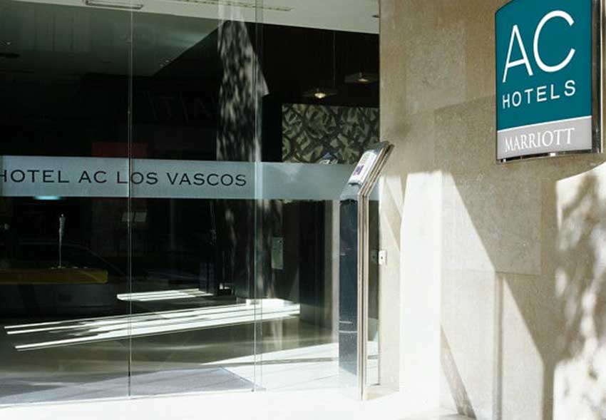 Los Vascos Hotela Madrilgo izen bereko kalean