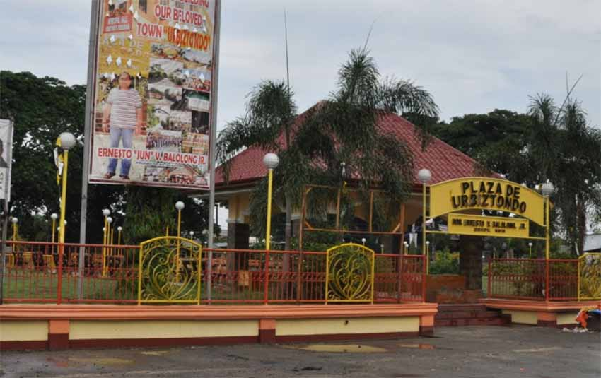 Urbiztondoko Plaza, Filipinetan (Google Maps)
