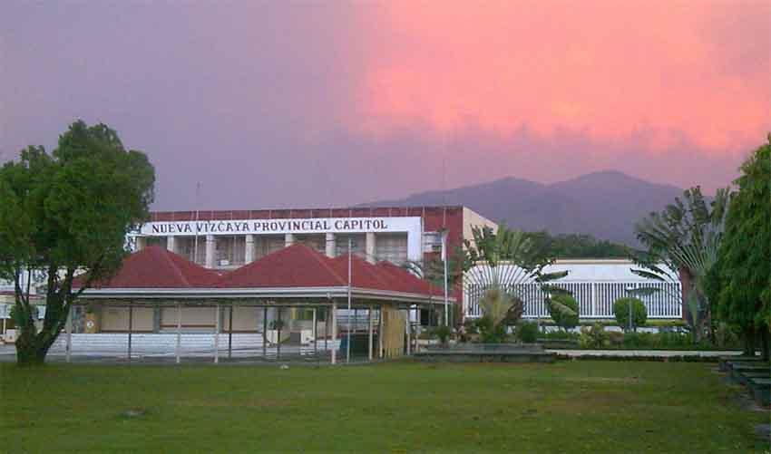 Nueva Vizcaya probintzia, Filipinak (arg. Google Earth)