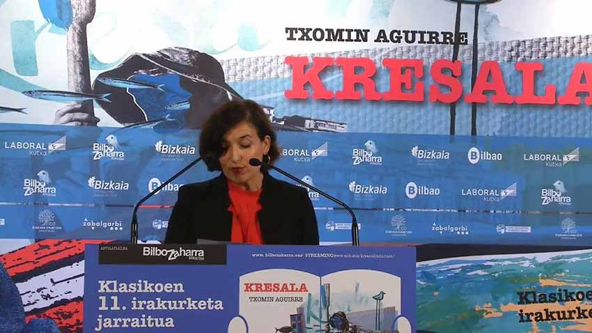 A moment from the continuous reading by director of the Etxepare Basque Institute, Irene Larraza