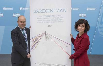 "Presentation of the World Congress with its slogan ""Saregintzan"" (networking) by Gorka Alvarez Aranburu, Director of the Basque Community Abroad, and Secretary General of Foreign Action, Marian Elorza"