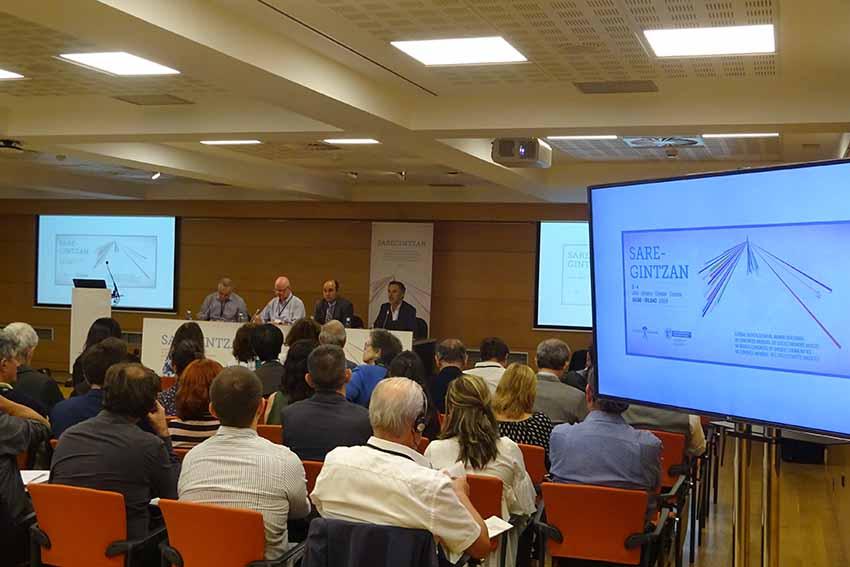 Sesión de trabajo con Manu Meaurio, Andoni Martin, Gorka Álvarez Aranburu y Benan Oregi en la cabecera (foto EuskalKultura.eus)
