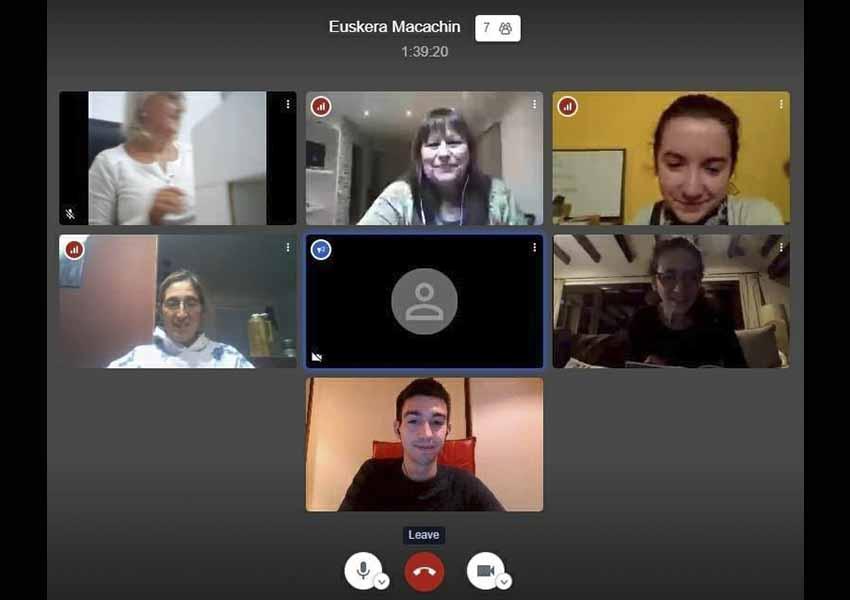 El Centro Vasco Euzko Allkartasuna de Macachín (Argentina) llevó a cabo ayer su primera clase de euskera online