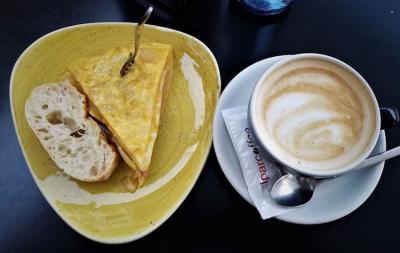 """Prestatu zure kafea diasporako gazteekin partekatzeko """"Coffee break""""en"""