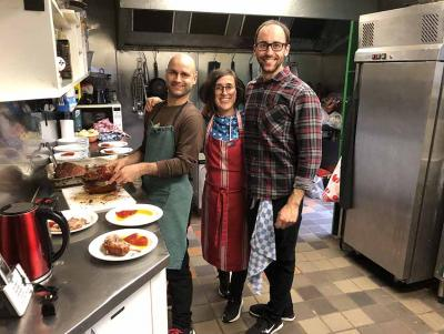 Jon, Nekane and Alvaro were in charge of last Sunday's meal at the Gure Txoko Basque Club preparing tempting homemade Basque food