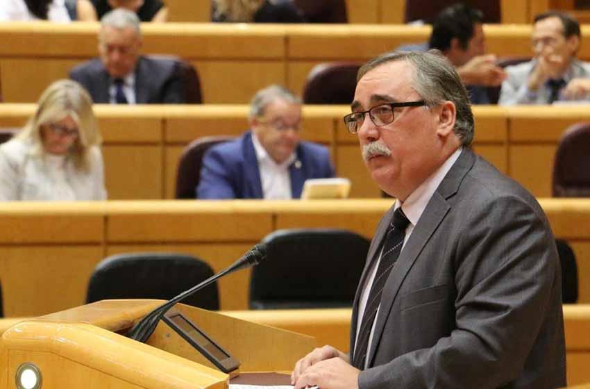 El lekeitiarra Josá María Cazalis, nuevo delegado de Euiskadi en México, interviniendo en el Senado en Madrid