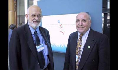 Jesus Lasaga y Rubén Arrieta en 2003 en el III Congreso Mundial de Colectividades Vascas en Vitoria (foto Beñat Doxandabatz-Euskonews)
