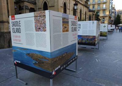 """la exposición """"Basque way"""" permanecerá abierta hasta este viernes en Donostia, en la calle Urdaneta, trasera de la Catedral"""