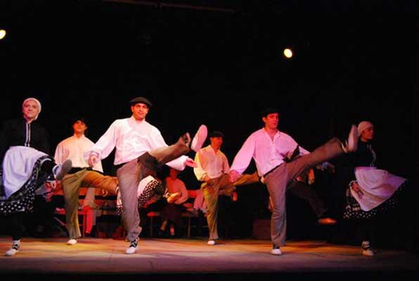 La Huella Vasca, por el grupo de teatro de Urrundik 2011 01